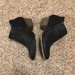 Womens Fergie Heeled booties